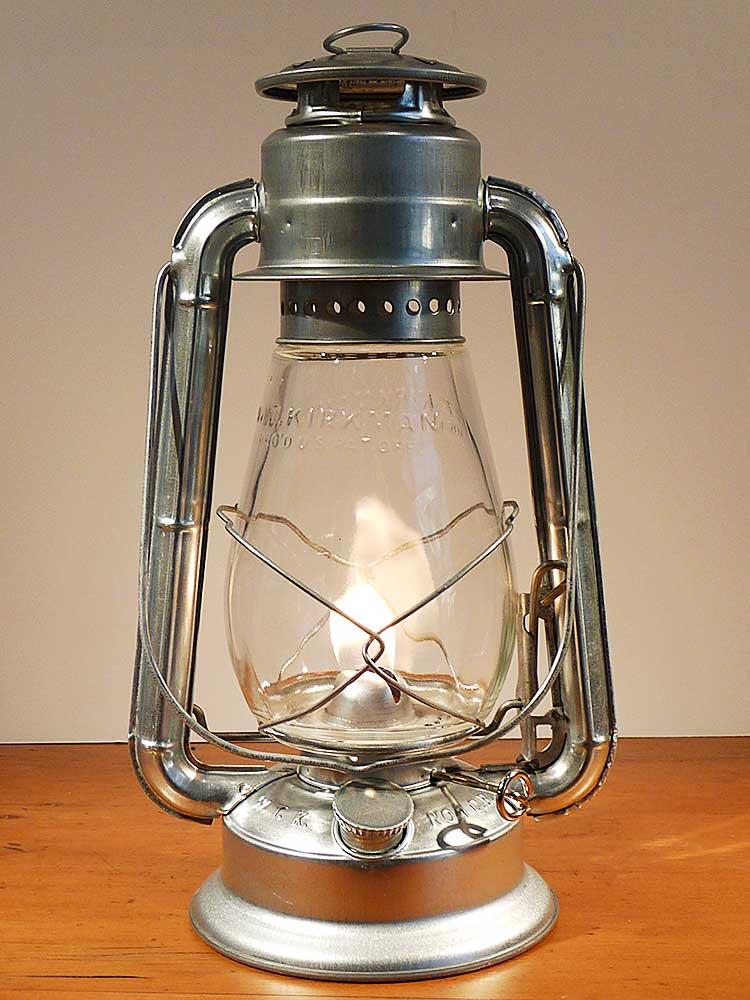 "WT Kirman 12"" Champion Lantern"